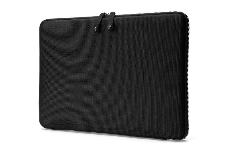 Pouzdro na MacBook Pro Retina 15 (2016-2017) - Booq, Hardcase M Black